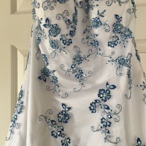 Dresses & Skirts - White with blue floral beading prom dress